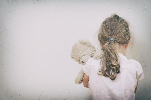 """""""社交恐惧""""的标签,别随便给孩子贴"""