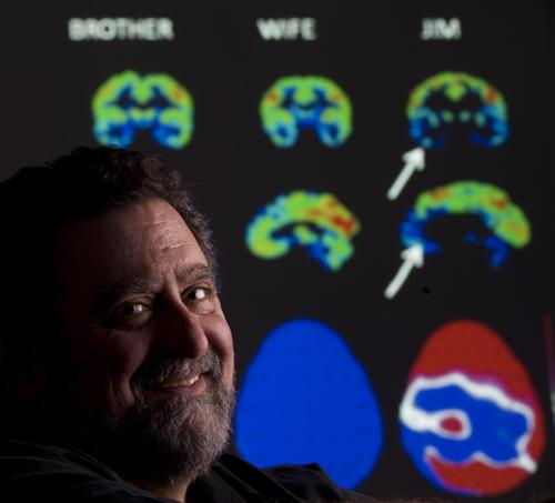 法隆与他的家庭成员扫描图.jpg