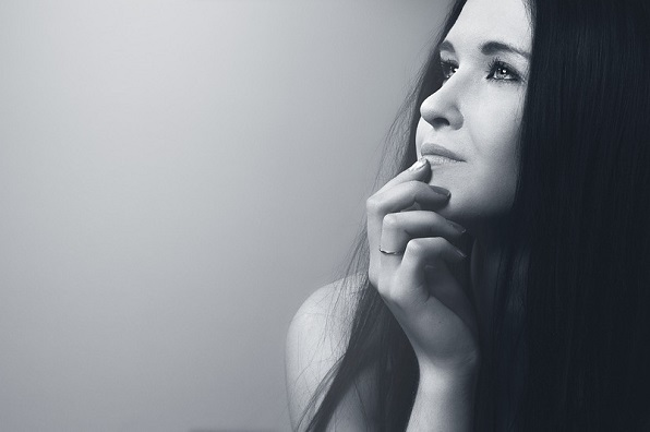portrait-of-a-girl-1344645_960_720.jpg
