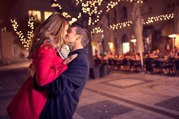 [地坛公园相亲大会]相亲聊天技巧:10细节收获第一眼爱情
