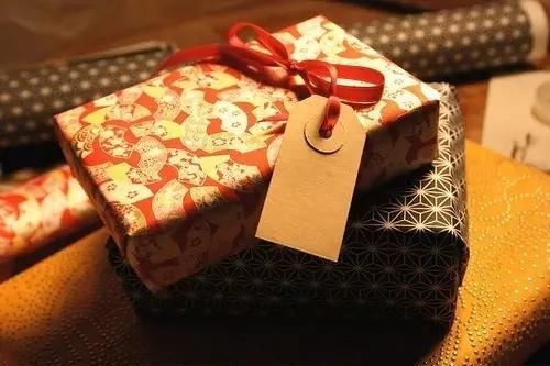 送男女朋友礼物必须知道的3个心理法则