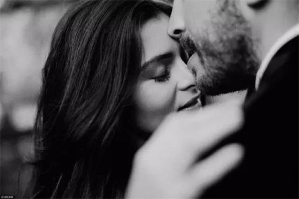 如何真正的爱一个人丨让爱情的归爱情,关系的归关系