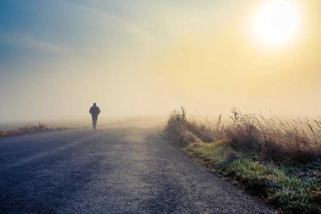 李松蔚:拉开人生差距的不是努力,是底层思维-心理学文章-壹心理