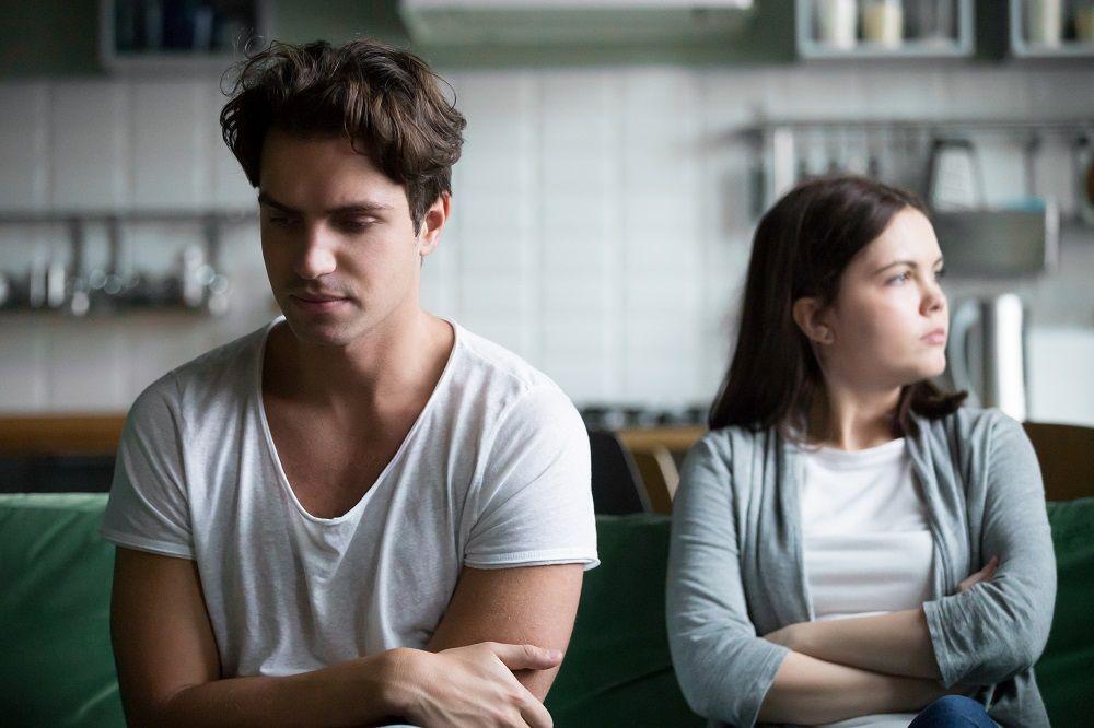 """""""我不知道怎么表达""""压抑自我的人如何逃离情绪漩涡?-心理学文章-壹心理"""